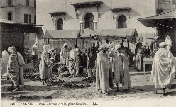 alger-marche-randon-au-pied-de-la-grande-synagogue