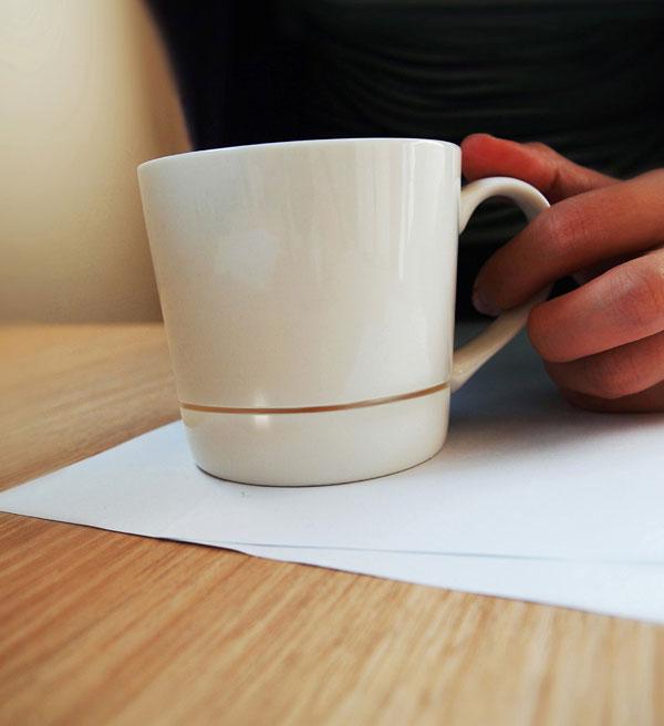finies les taches de caf avec cette tasse. Black Bedroom Furniture Sets. Home Design Ideas