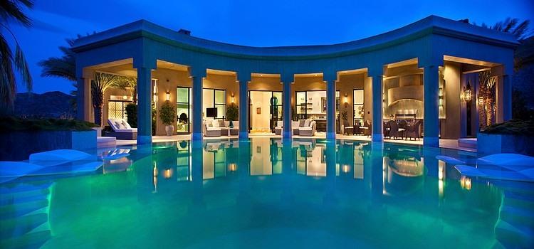 Une villa en floride avec un design 100 orientale for Architecture orientale