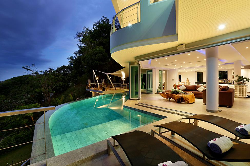 Une Superbe Villa En Tha 239 Lande Avec Piscine 224 L 233 Tage