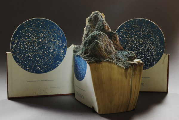 book-sculpture-cutting-paper-art-13__880