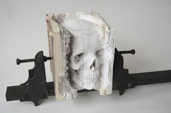 book-sculpture-cutting-paper-art-8__880